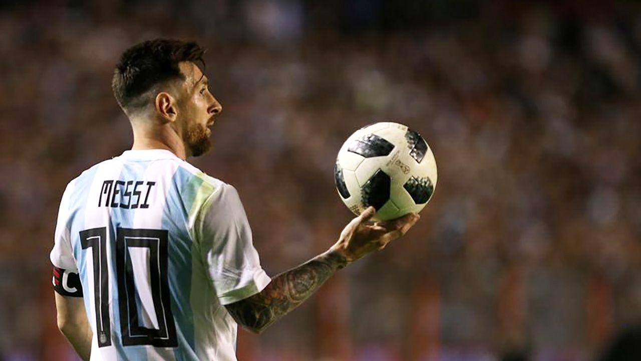 Leo Messi (fot. REUTERS/Agustin Marcarian)