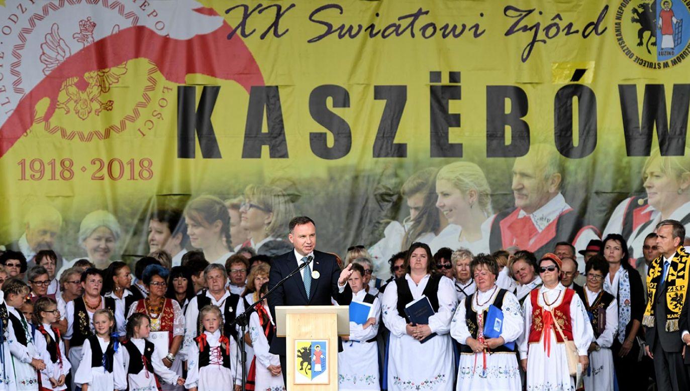 7 lipca 2018 r. Prezydent Andrzej Duda podczas oficjalnego otwarcia XX Światowego Zjazdu Kaszubów w miejscowości Luzino (fot. PAP/Adam Warżawa)