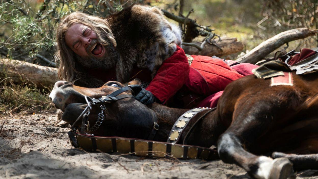 Niestety podczas pogoni za zwierzyną doszło do nieszczęśliwego wypadku (fot. TVP)