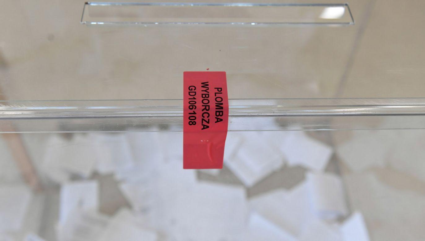 Głosowanie potrwa do godz. 21(fot. PAP/Adam Warżawa, zdjęcie ilustracyjne)