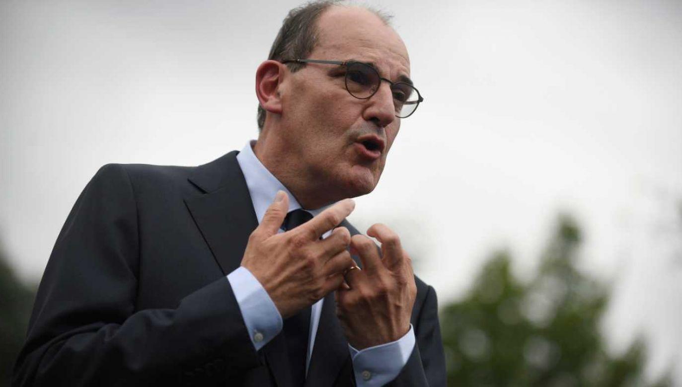Jean Castex pokieruje rządem (fot. PAP/EPA/JULIEN DE ROSA)