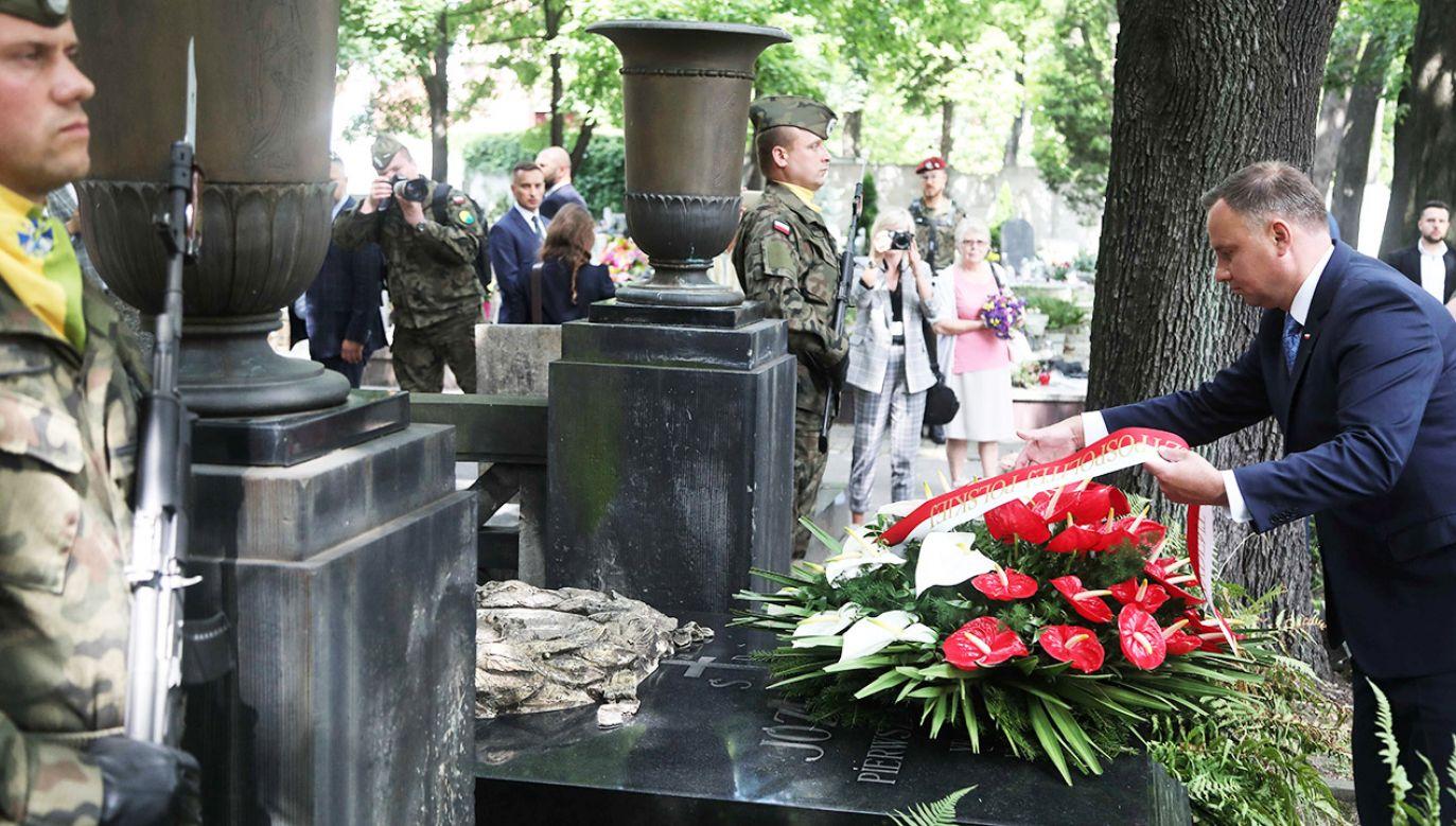 Andrzej Duda oddał hołd bohaterom z okazji stulecia Powstań Śląskich (fot. PAP/Hanna Bardo)