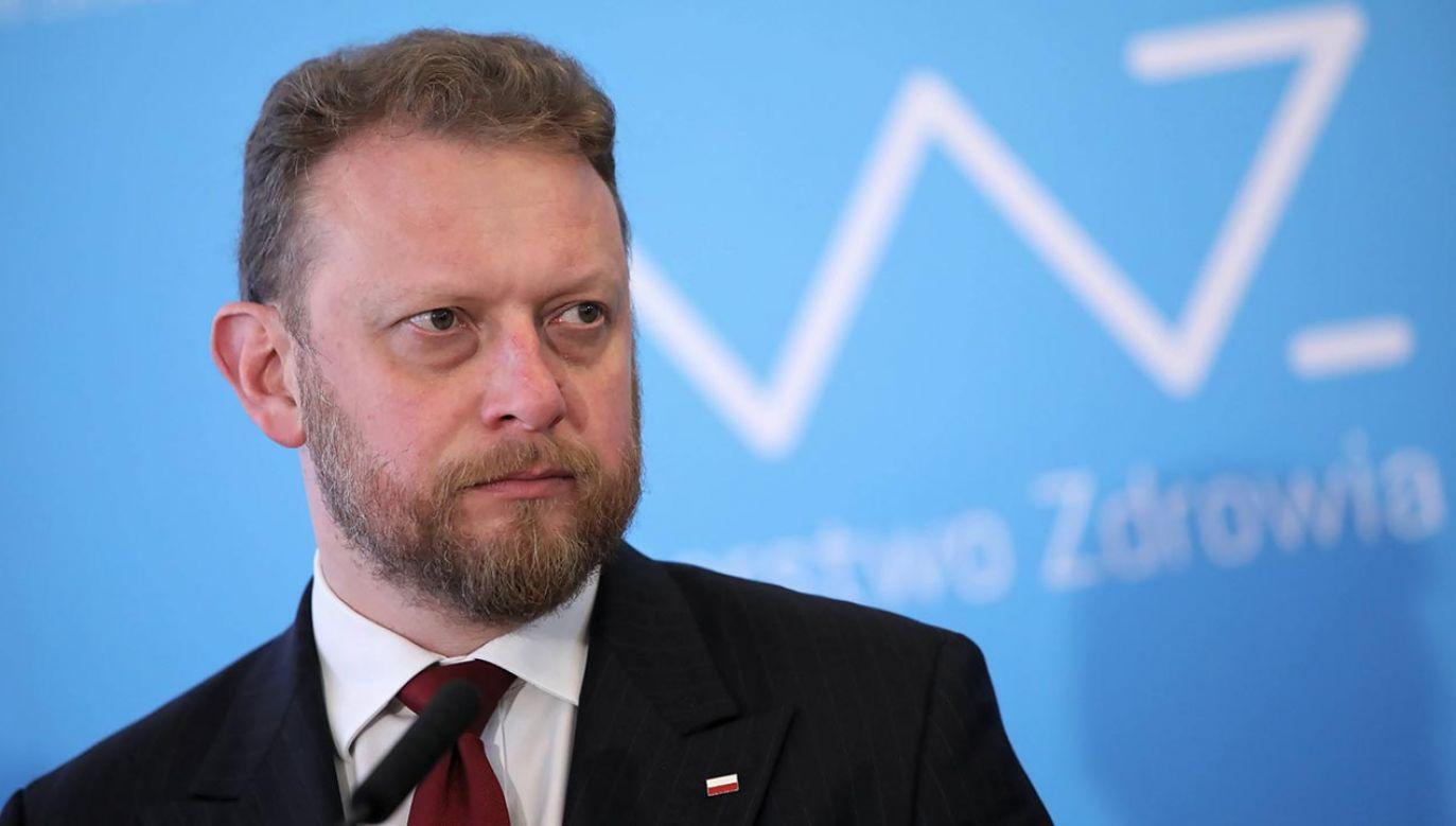 """Minister odniósł się do zarzutów """"Gazety Wyborczej"""" dot. maseczek (fot.  PAP/Leszek Szymański)"""