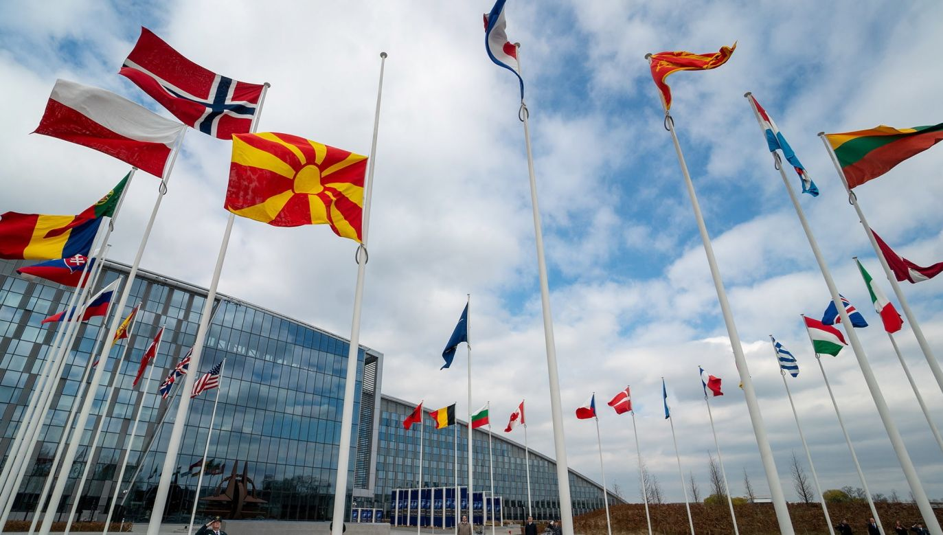 Flags of NATO Member States in front of the Alliance's HQ in Brussels, Belgium. Photo: PAP/EPA/NATO