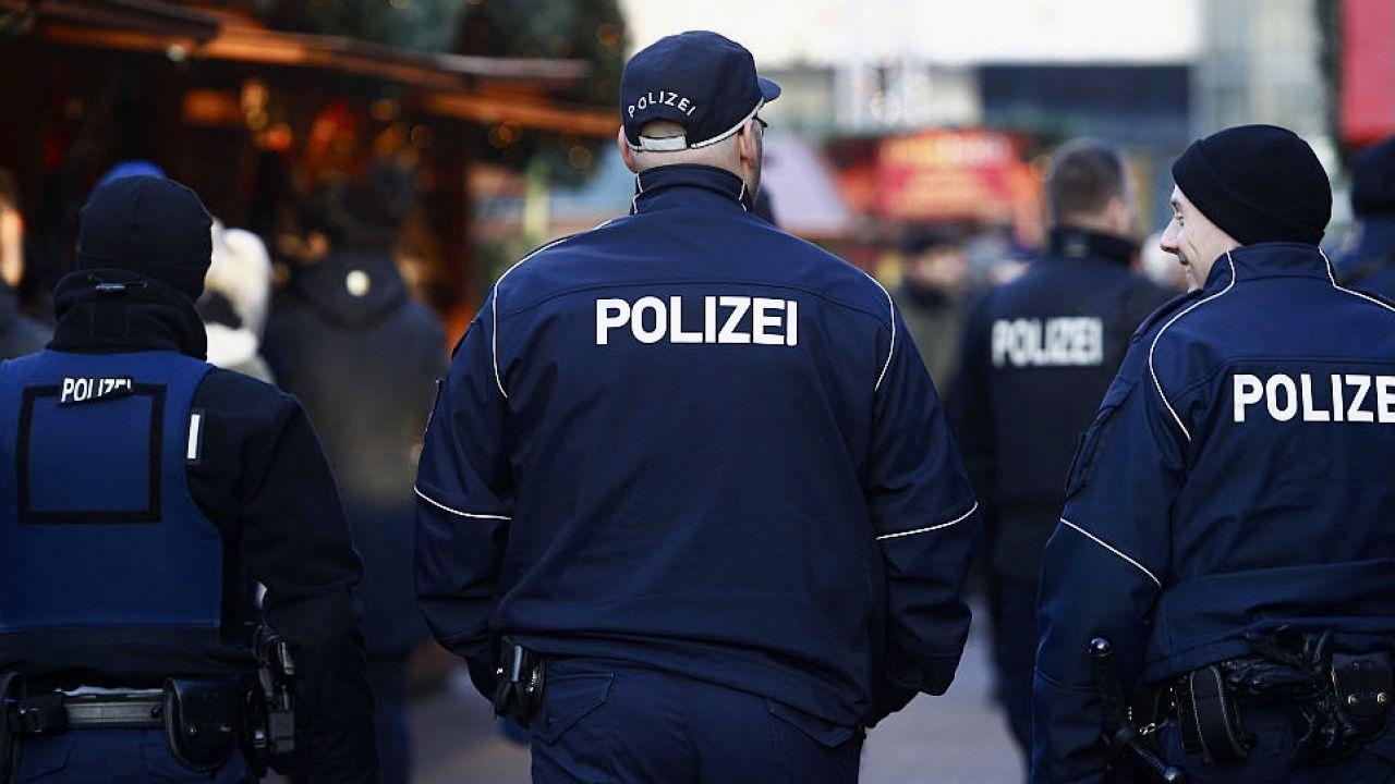 Policjantom zarzuca się kradzież 7000 sztuk amunicji (fot. M.Tantussi/Getty Images, zdjęcie ilustracyjne)