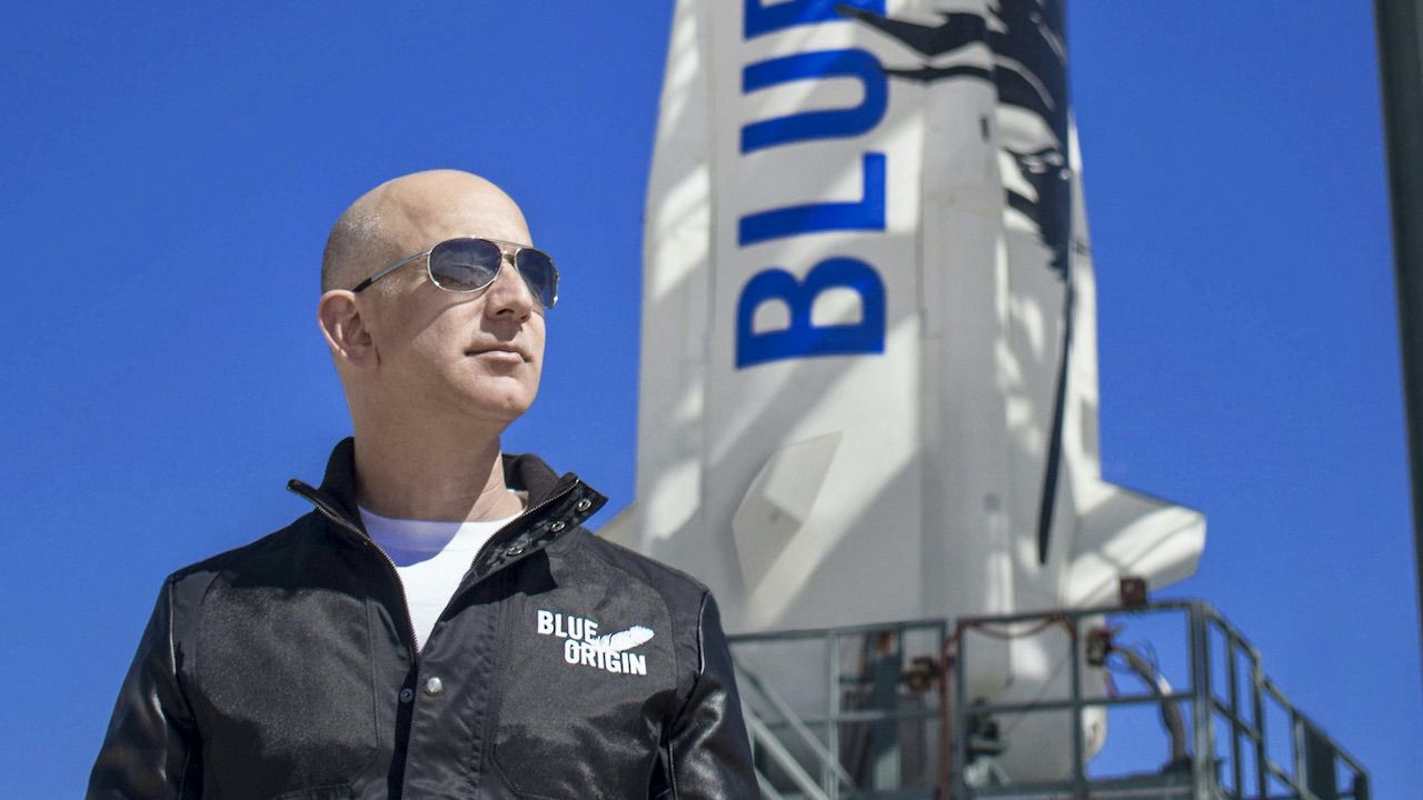 W locie będzie uczestniczył Jeff Bezos (fot. PAP/EPA/BLUE ORIGIN)