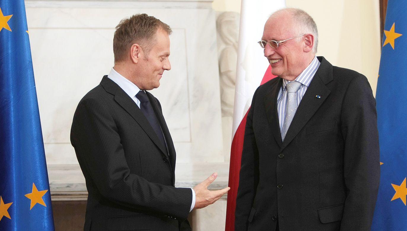 Donald Tusk i Günter Verheugen (fot. arch.PAP/Leszek Szymański)