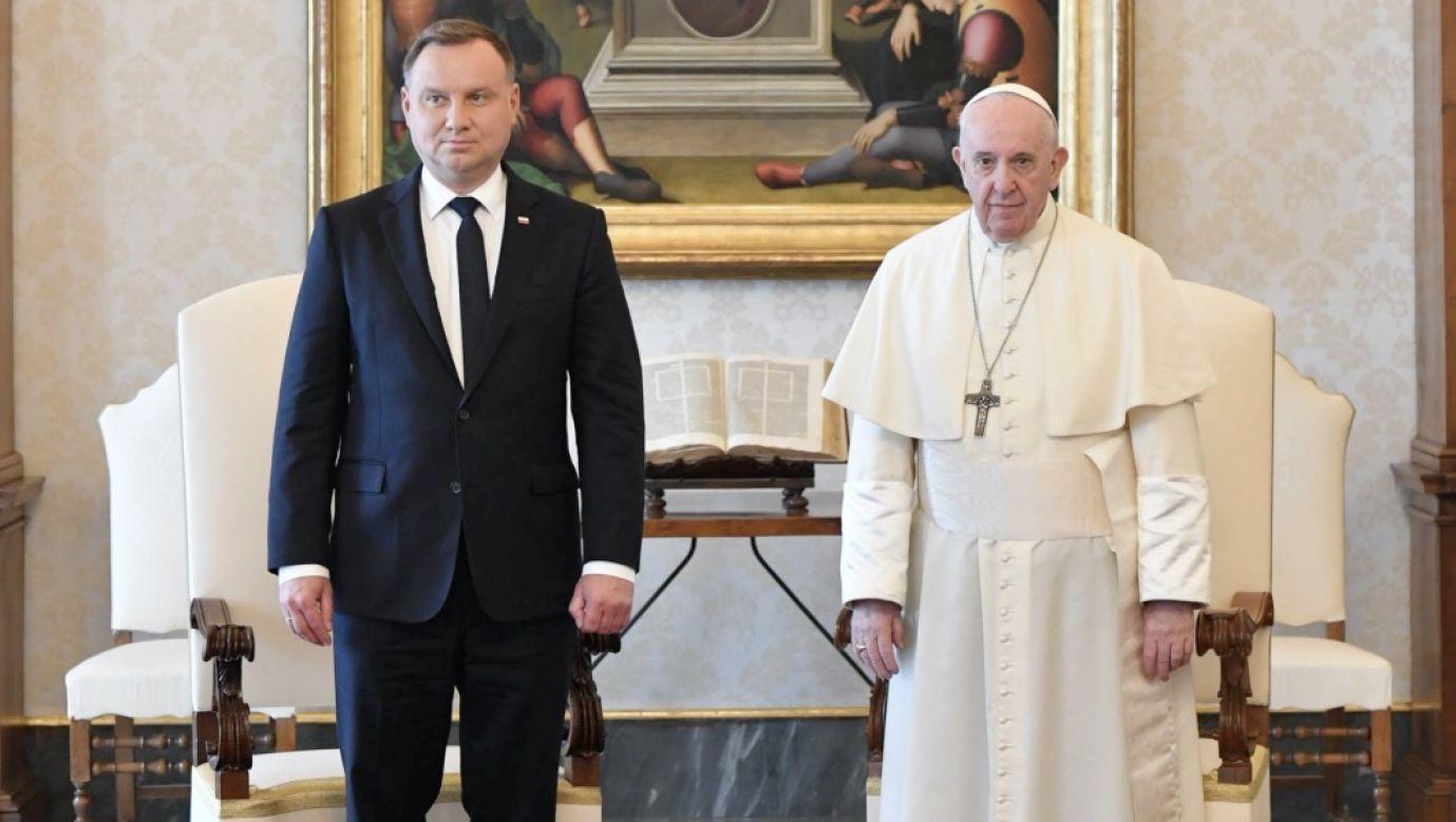Spotkanie odbywa się w ostatnim dniu wizyty Andrzeja Dudy w Rzymie (fot. PAP/EPA/VATICAN MEDIA)