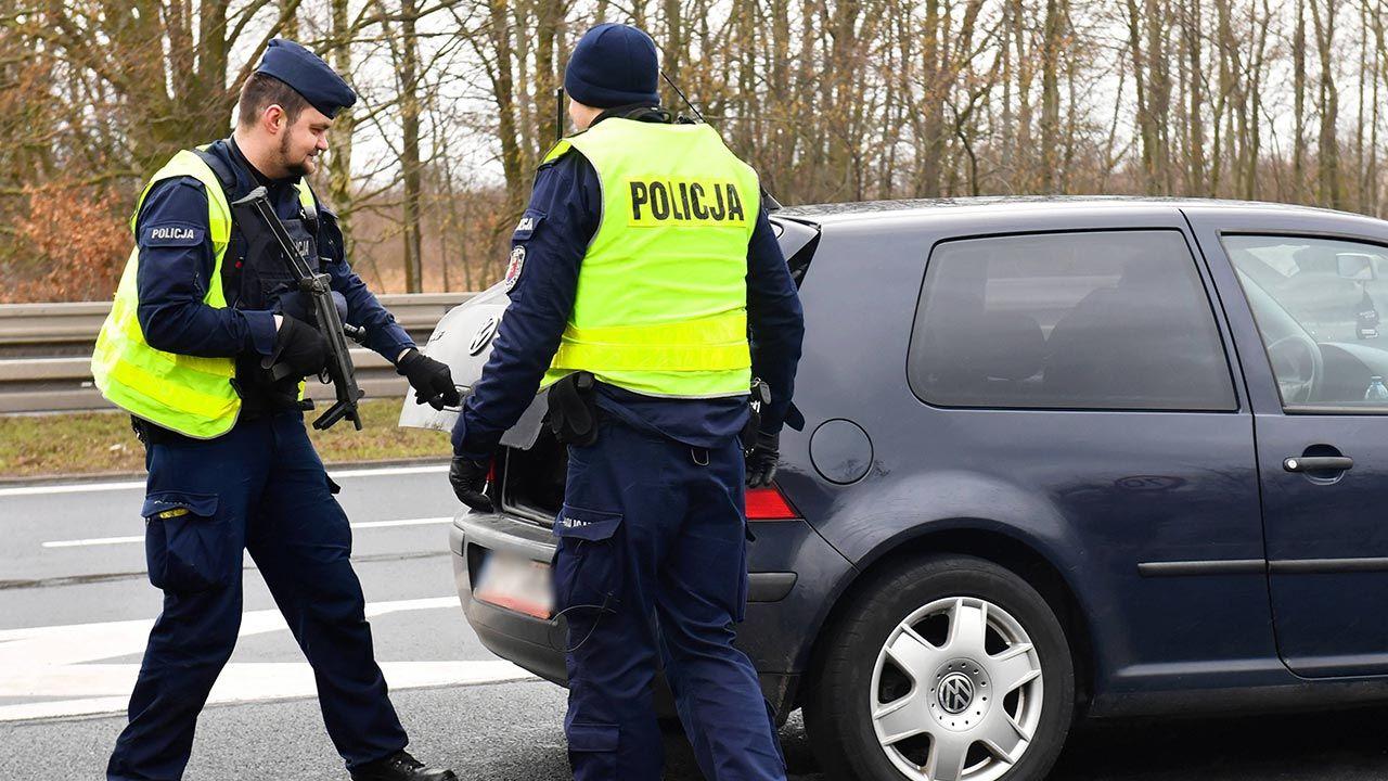 Szybka akcja warszawskiej policji (fot. PAP/Marcin Bielecki)