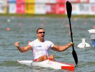 Wielka radość Polaka na mecie wyścigu (fot.PAP/EPA)