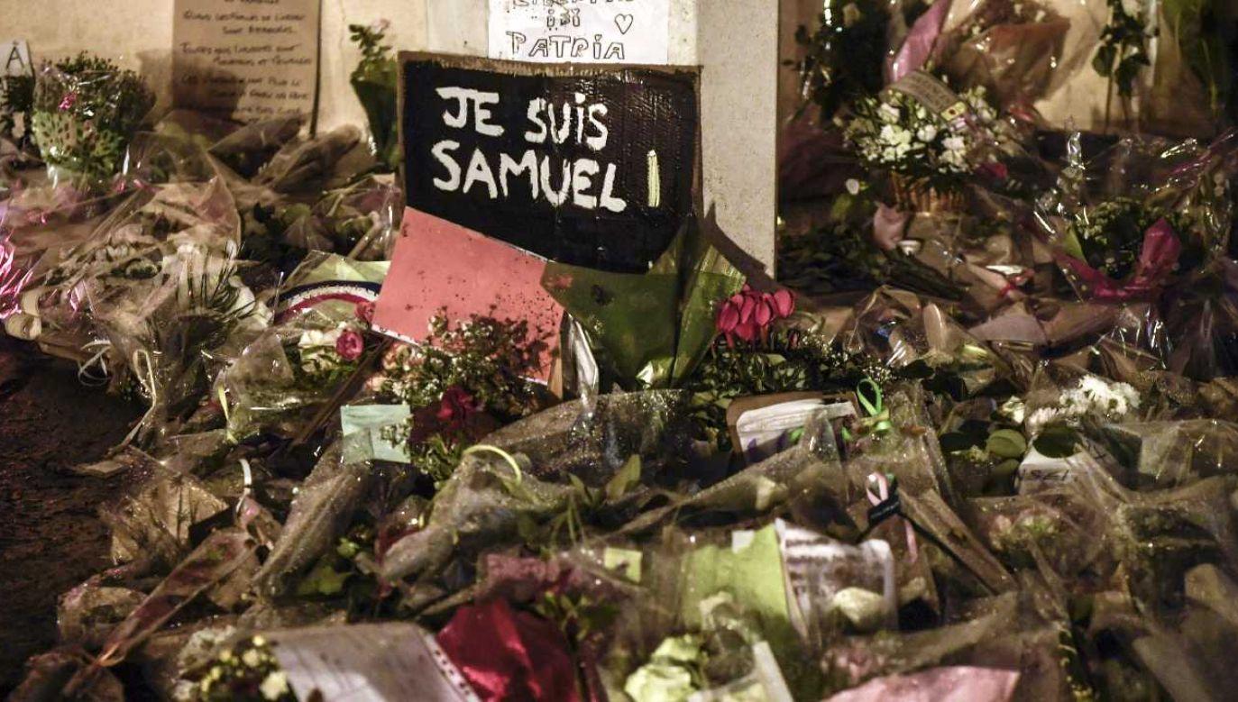 Zbrodnia wstrząsnęła Francją (fot. PAP/EPA/JULIEN DE ROSA)
