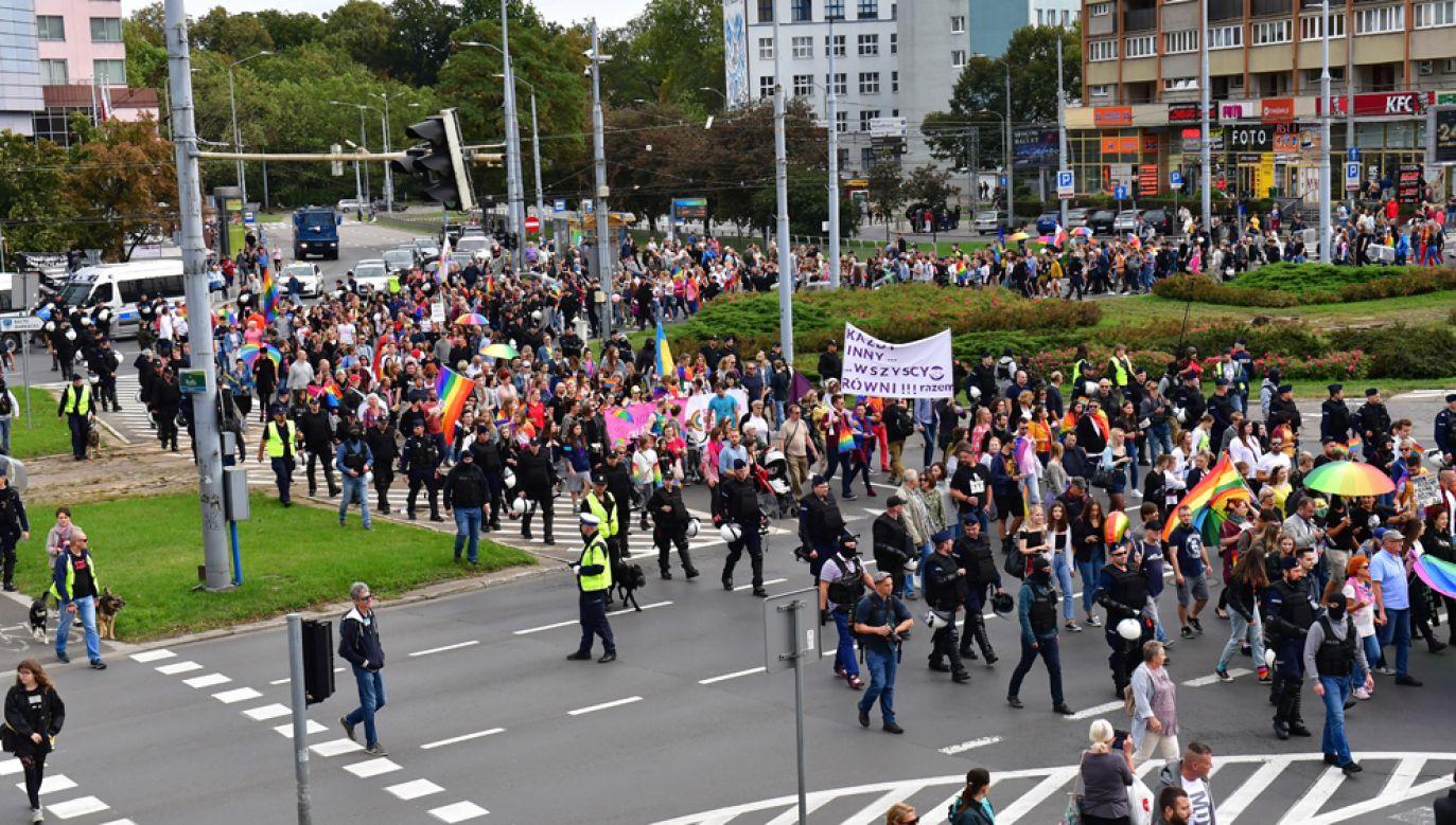 Uczestnicy II Szczecińskiego Marszu Równości (fot. PAP/Marcin Bielecki)