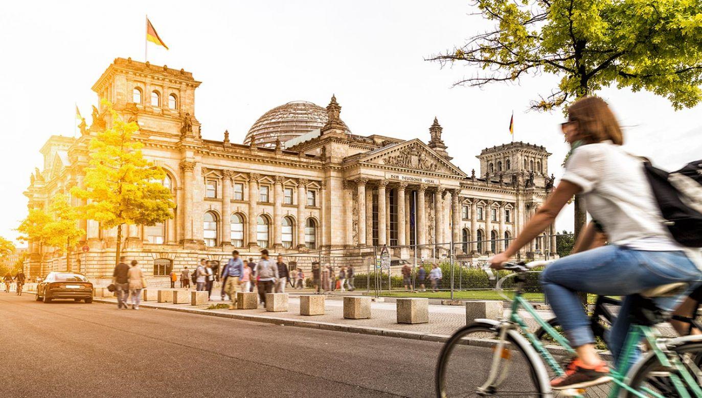 61 proc. Niemców stwierdziło, że bardziej niż o własne zdrowie, obawia się załamania gospodarczego (fot. Shutterstock/canadastock)