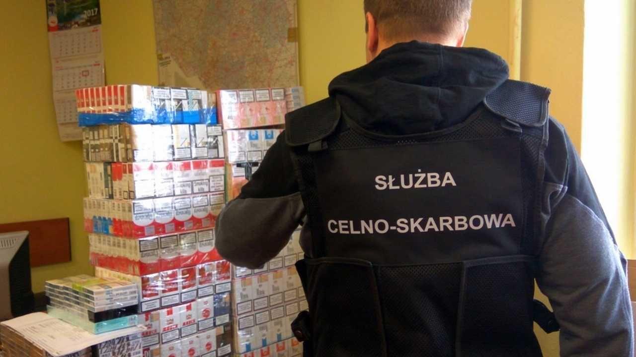 kontrabanda jest warta około 700 tysięcy złotych (fot. KAS)