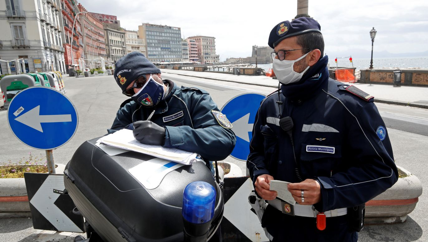 Trzech mężczyzn aresztowano (fot. Reuters/Ciro De Luca)