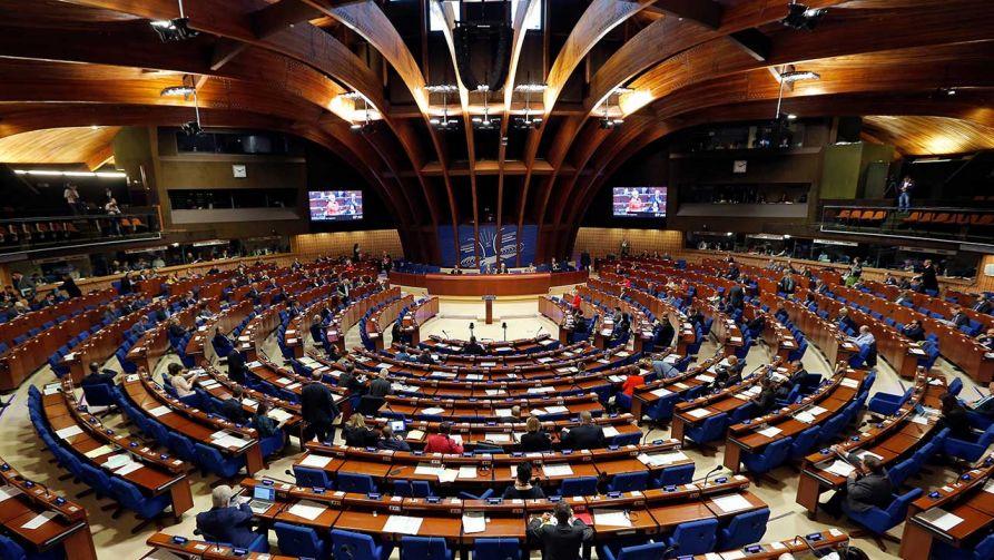 Sala Obrad Zgromadzenia Parlamentarnego Rady Europy (fot. REUTERS/Vincent Kessler)