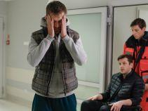 – Radecki, ogarnij się... – mówi Paweł sam do siebie, choć cała sytuacja ewidentnie go przerasta. (fot. TVP)