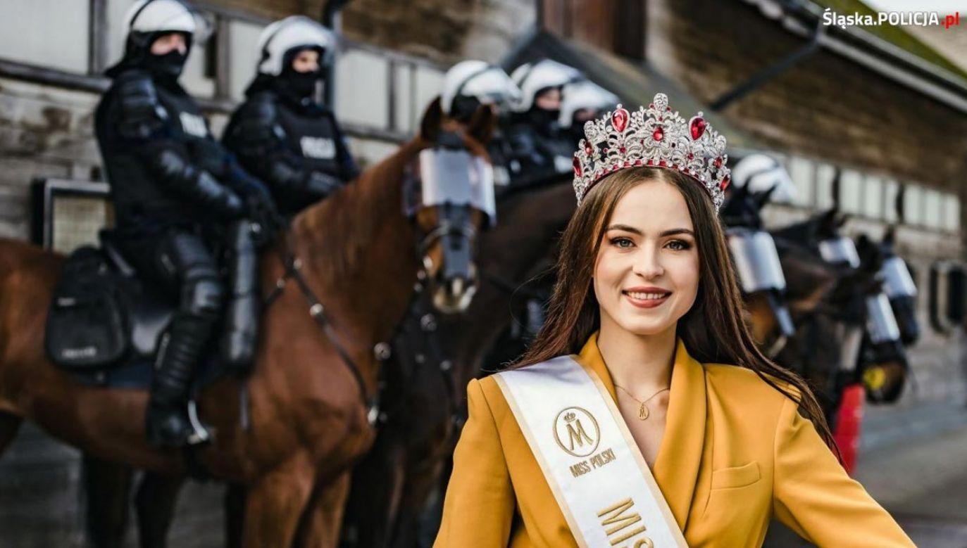 Sesja zdjęciowa Miss Polski 2020 promuje służbę w policji (fot. Policja/ sierż. sztab. Aleksandra Vana)