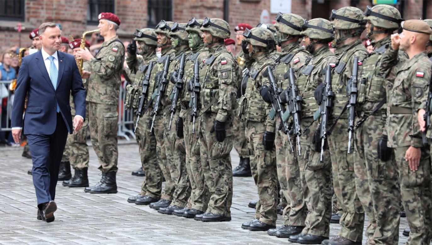Prezydent Andrzej Duda podziękował żołnierzom WOT za ich poświecenie (fot. PAP/Hanna Bardo)