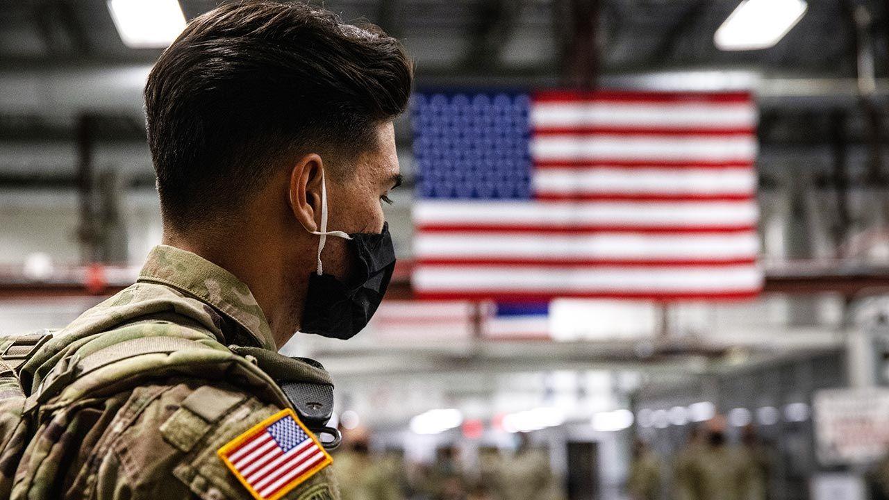 """""""Bardziej inkluzywna armia jest silniejsza"""" (fot. Shutterstock/John Moore/Getty Images, zdjęcie ilustracyjne)"""
