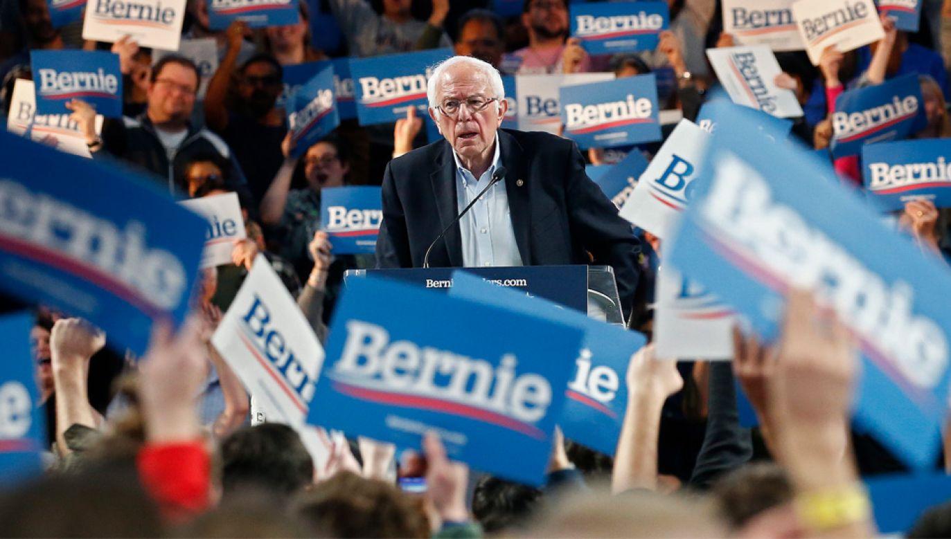 78-letni Bernie Sanders reprezentuje skrajnie lewicowe skrzydło Partii Demokratycznej (fot. PAP/EPA/LARRY W. SMITH)