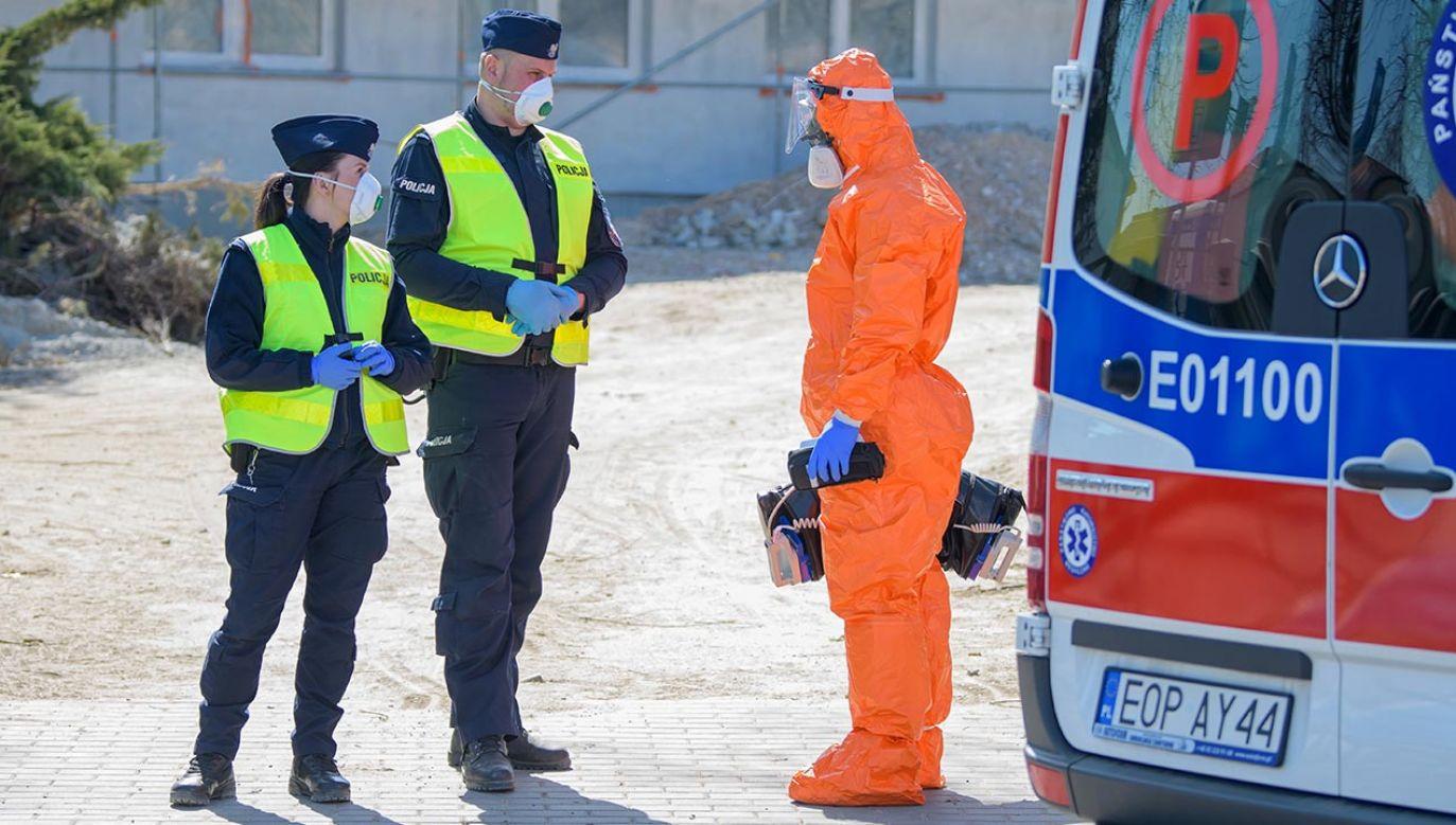 Łącznie w Polsce wykryto 4413 przypadki zakażenia; zmarło 107 osób (fot. PAP/Grzegorz Michałowski)