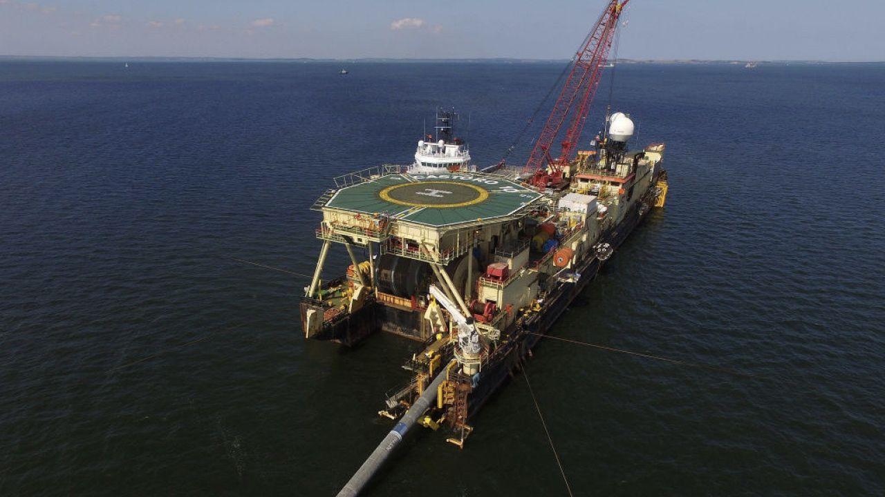 """""""Wszystkie prace są wykonywane zgodnie z wydanymi pozwoleniami"""" – twierdzi Nord Stream AG.(fot. S.Gallup/Getty Images, zdjęcie ilustracyjne)"""