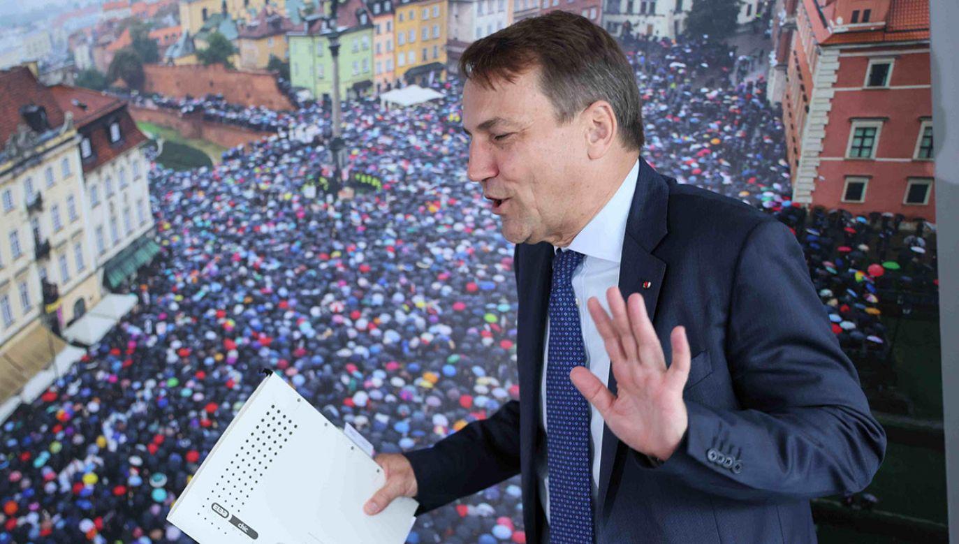 Radosław Sikorski nie pierwszy raz w ten sposób odnosi się do kobie (fot. arch.PAP/Leszek Szymański)