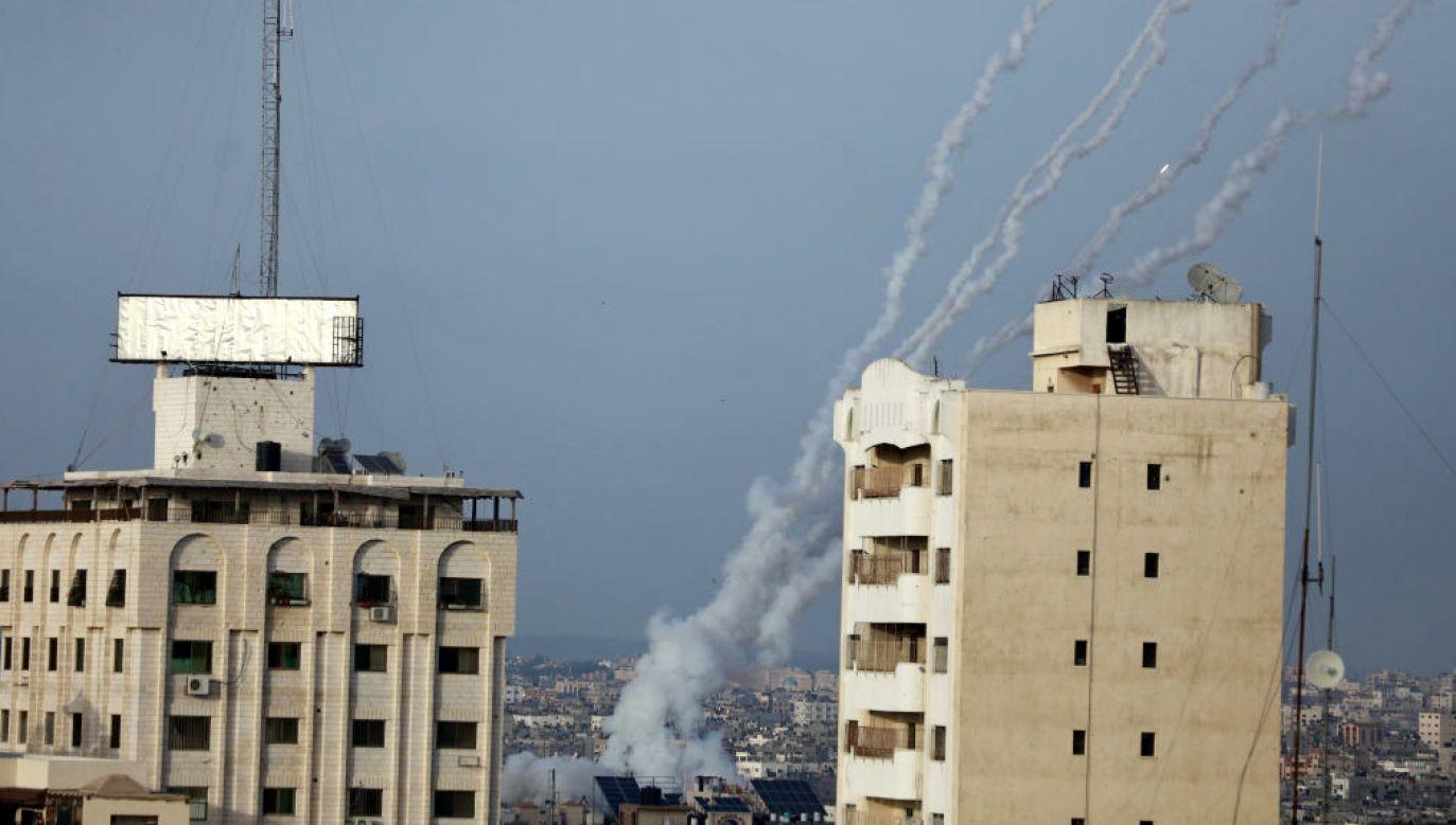 Rakiety wystrzeliwane z Gazy w kierunku Izraela (fot. M.Fathi/NurPhoto/Getty Images)