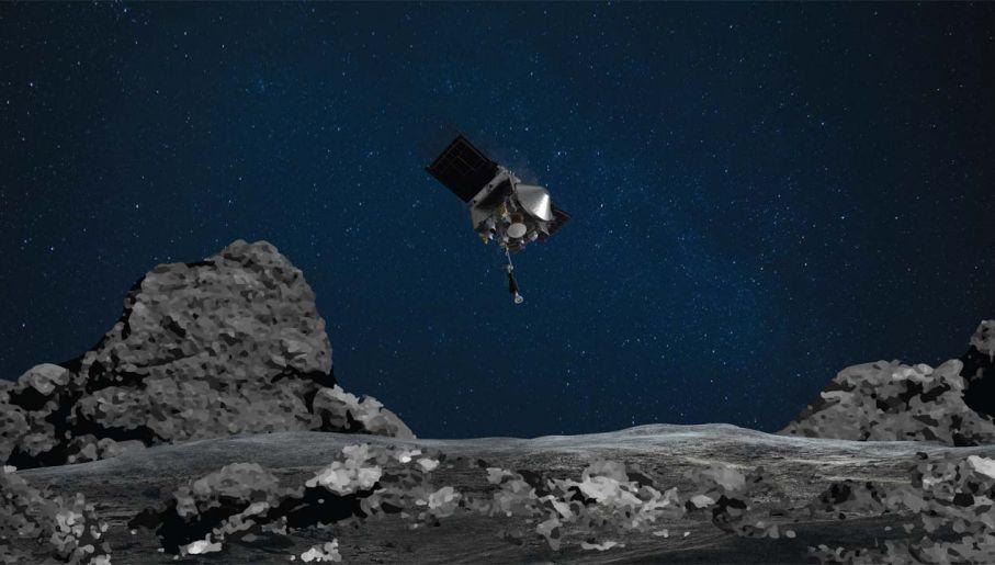 Sonda OSIRIS-REx pobrała odrobinę pyłu z powierzchni 500-metrowej planetoidy Bennu (fot. NASA)