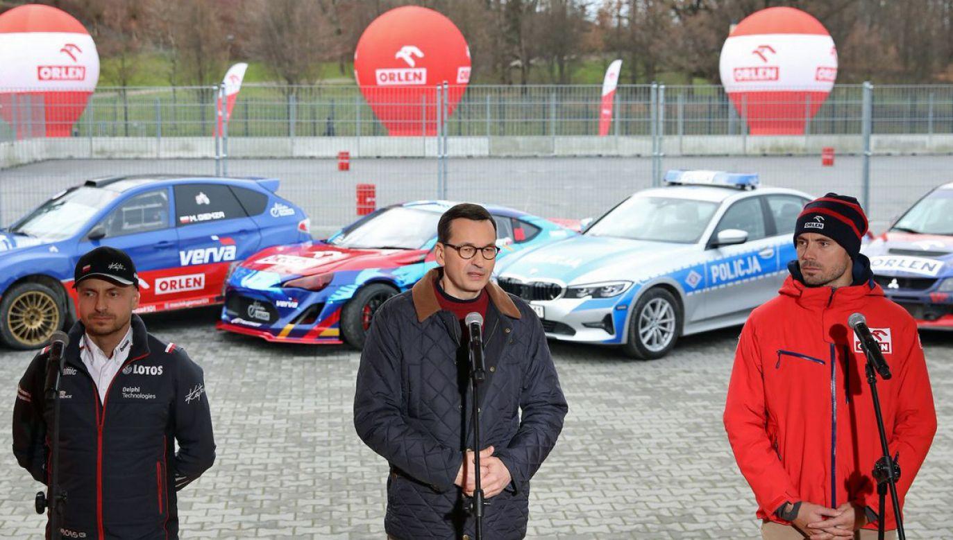 Mateusz Morawiecki zapowiedział zmiany w przepisach drogowych (fot. Twitter/Kancelaria Premiera)