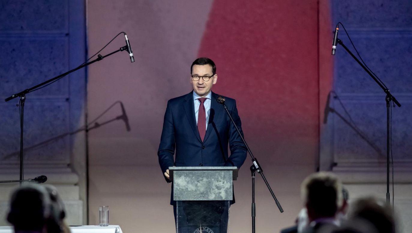 """""""Brałem udział w tych wydarzeniach jako młody chłopak"""" – napisał premier (fot. PAP/EPA/MARTIN DIVISEK)"""
