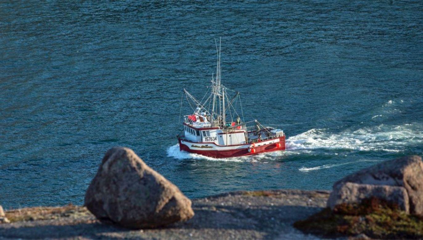 FSB oświadczyła, że na pokładzie kutra znaleziono około trzech setek ryb i nielegalne sieci (fot. Pexels)