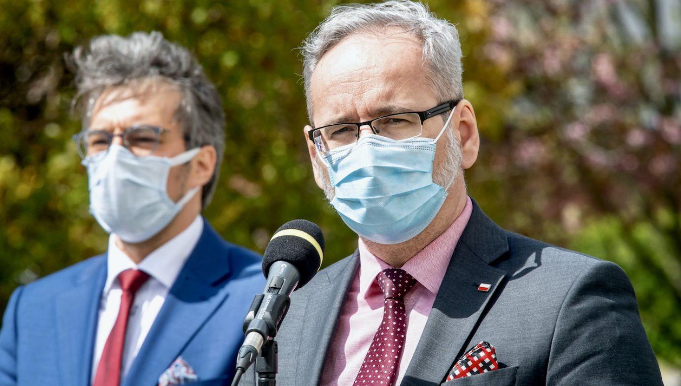 Minister zdrowia Adam Niedzielski o porozumieniu z zapowiadającymi strajk pielęgniarkami (fot. PAP/Tytus Żmijewski)