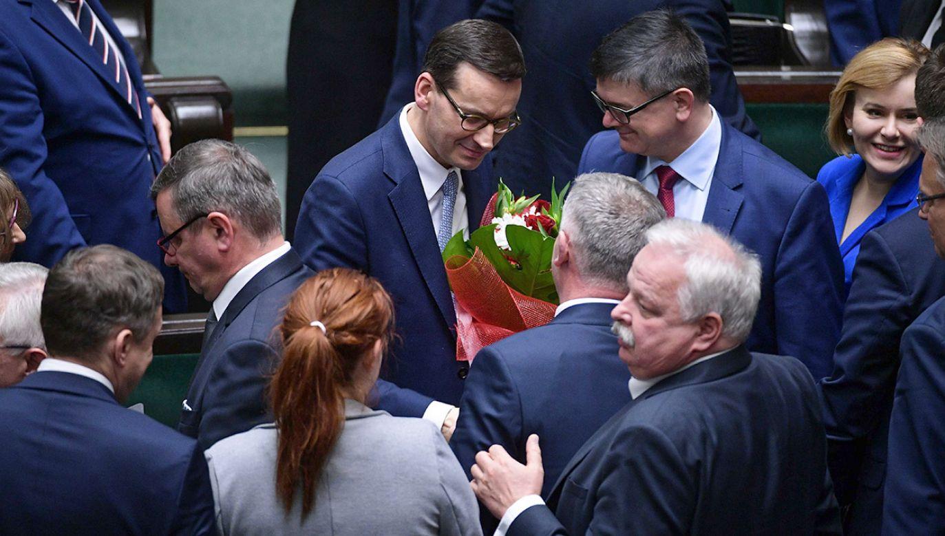 Nowy gabinet poparło 237 posłów  (fot. PAP/Marcin Obara)