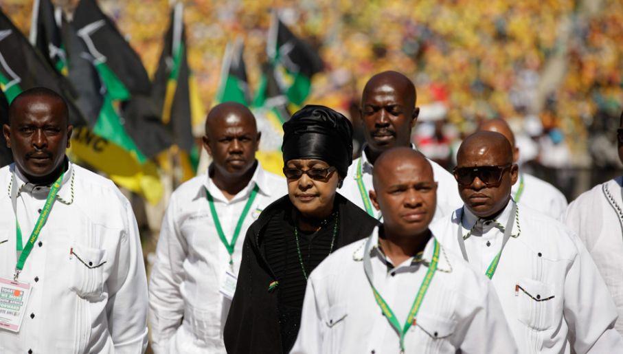 Winnie Madikizela-Mandela odpowiada za śmierć wielu ludzi i przekręty (fot. PAP/EPA/CORNELL TUKIRI)