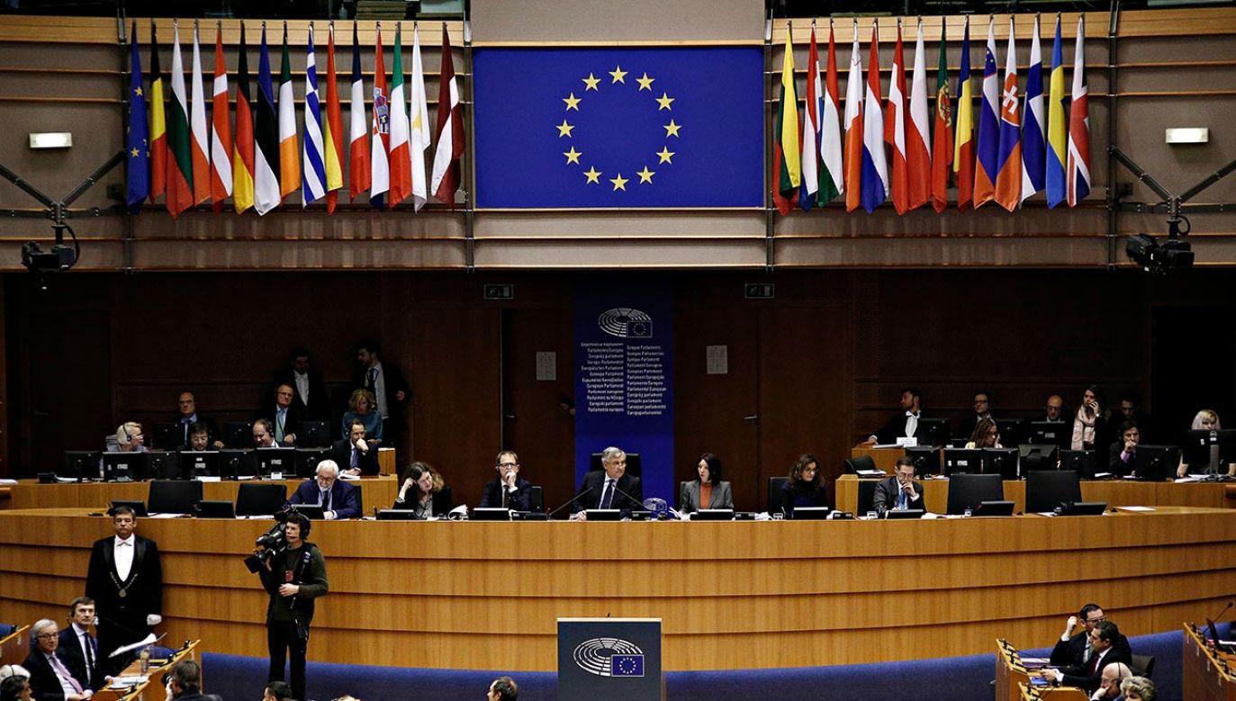 Unia Europejska jest silna tylko wtedy, gdy jest solidarna (fot. Shutterstock/Alexandros Michailidis)