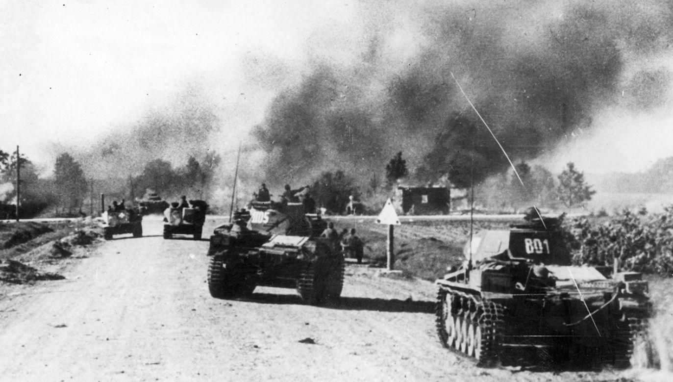 Niemieckie czołgi podczas ataku na ZSRS w latem 1941 roku(fot. Keystone/Getty Images)