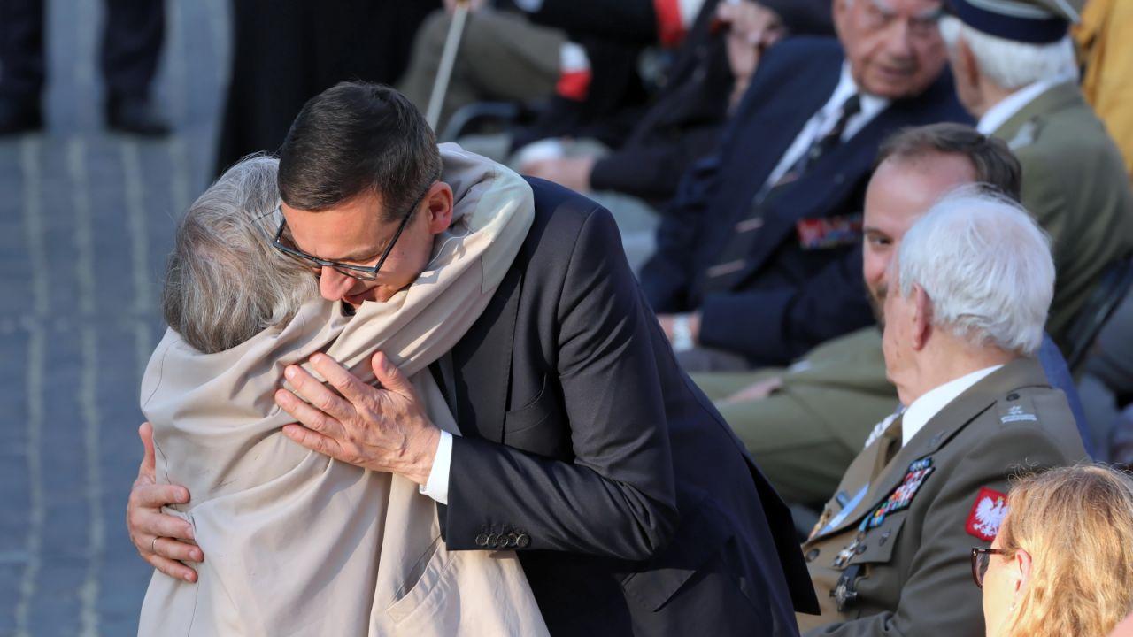 Premier Mateusz Morawiecki podczas uroczystego Apelu Pamięci (fot. PAP/Wojciech Olkuśnik)