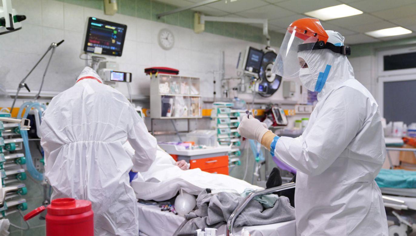 Powstały szpitale tymczasowe dla chorych na COVID-19 (fot. PAP/Leszek Szymański)