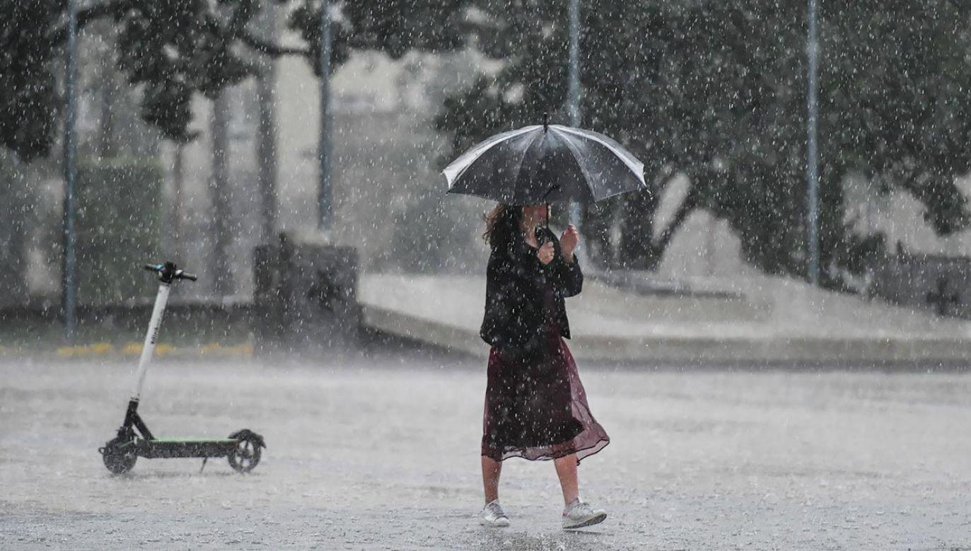Mieszkańcom kilku regionów dadzą się we znaki burze i opady gradu (fot. PAP/Wojtek Jargiło)