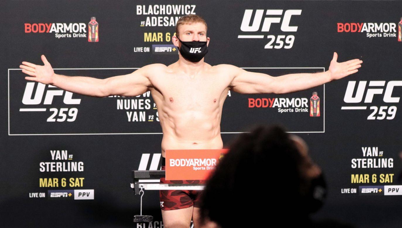 To był pojedynek wieczoru gali UFC 259 w Las Vegas (fot. PAP/Marcin Cholewiński)