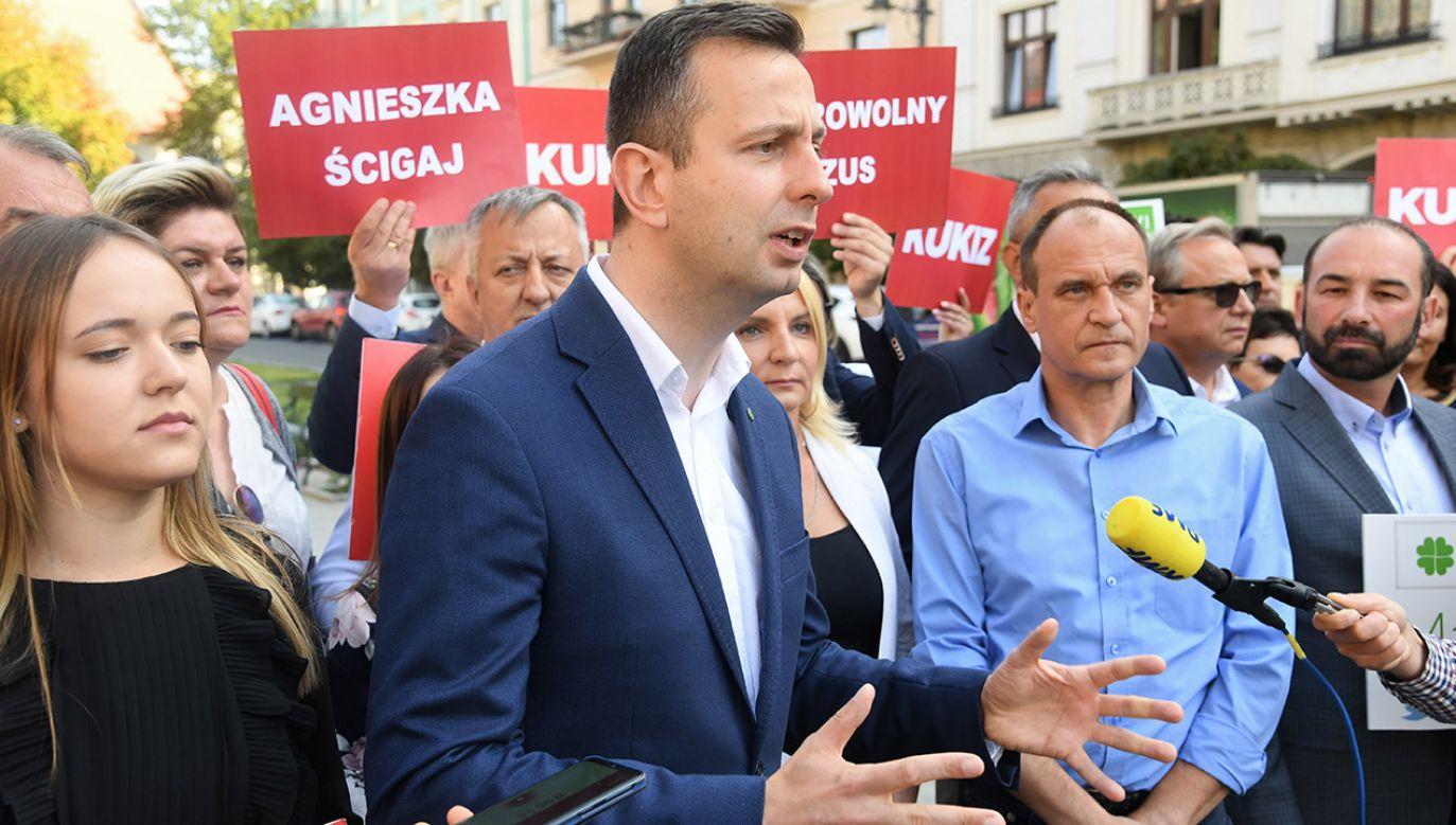 Konwencje różniły się od siebie nawet stopniem nagłośnienia w mediach (fot. PAP/Jacek Bednarczyk)