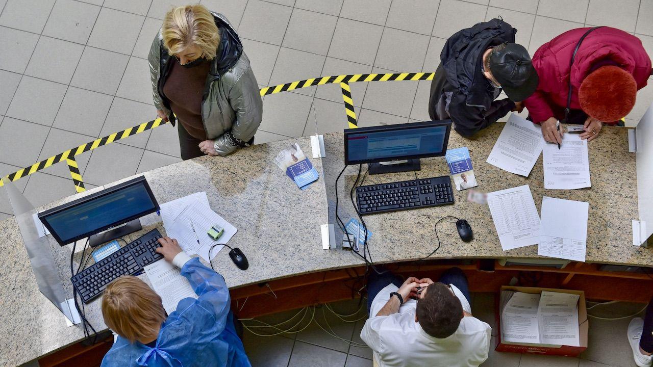 Narodowy Program Szczepień przyspiesza (fot. PAP/Wojtek Jargiło)