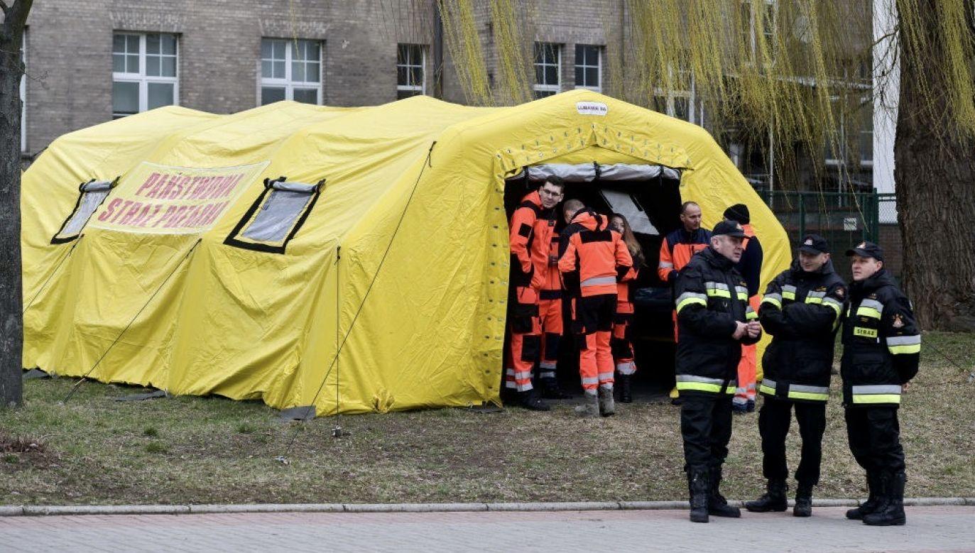 Bilans zakażonych koronawirusem stale rośnie (fot. Mateusz Slodkowski/SOPA Images/LightRocket via Getty Images)