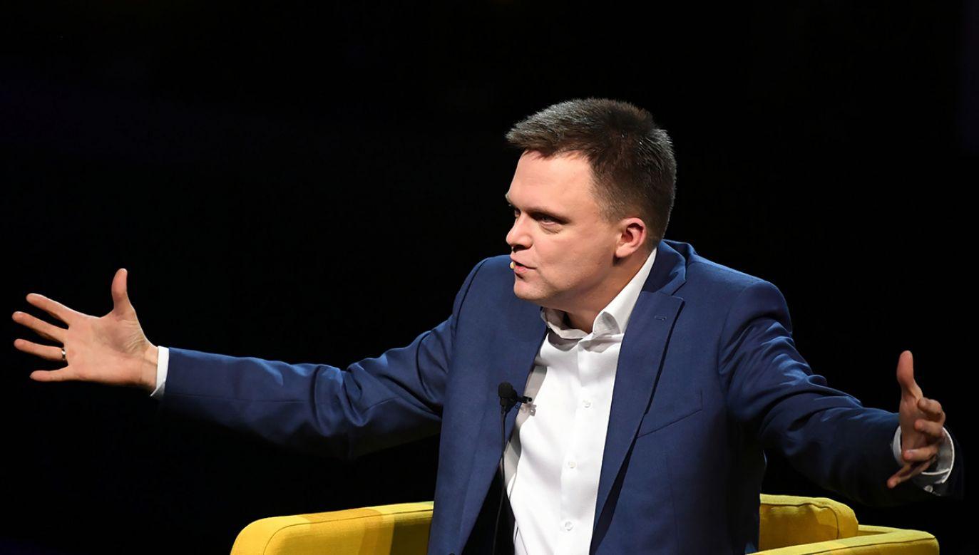 Politycy PiS-u i KO wątpią w to, że Szymonowi Hołowni uda się sfinansować kampanię z prywatnych oszczędności. (fot. PAP/Adam Warżawa)