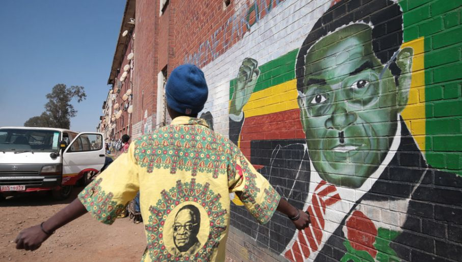 Mugabe rządził Zimbabwe przez 37 lat (fot. PAP/EPA/AARON UFUMELI)