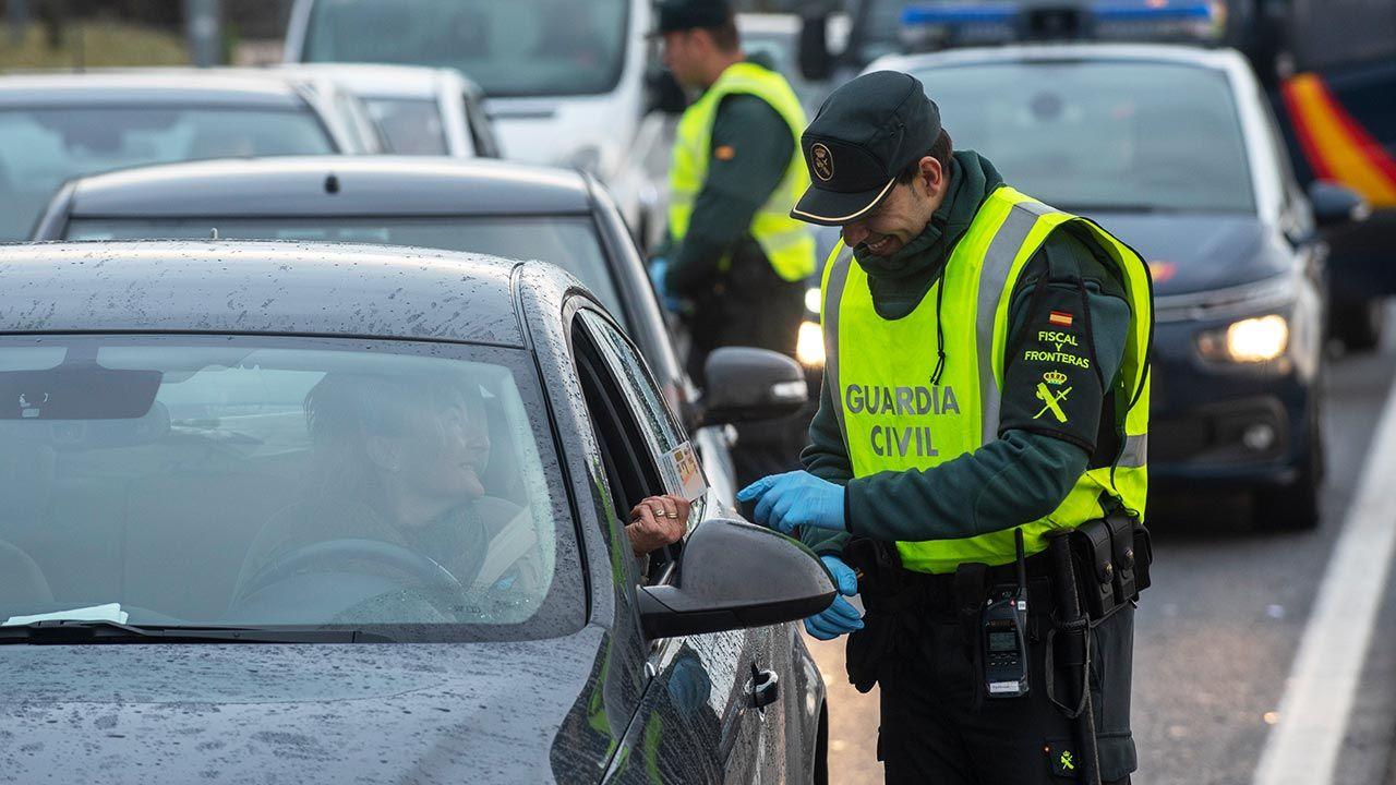 Rząd potwierdził, że otwarcie granic Hiszpanii dla ruchu turystycznego nastąpi dopiero 1 lipca (fot. Gari Garaialde/Getty Images)