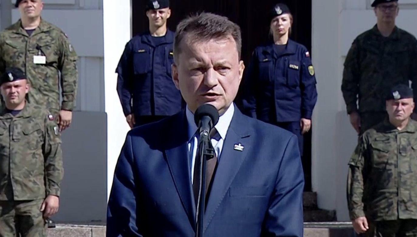 """Według szefa MON, Westerplatte było wykorzystywane przez polityków """"totalnej opozycji do politycznych wystąpień""""(fot. TVP Info)"""