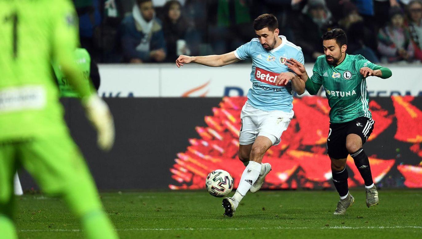 Powrót piłki nożnej po prawie dwóch miesiącach (fot. Shuttersock/MaciejGillert)